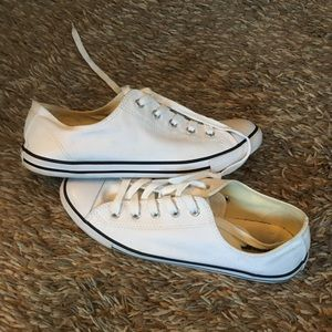 Converse Low Sneakers
